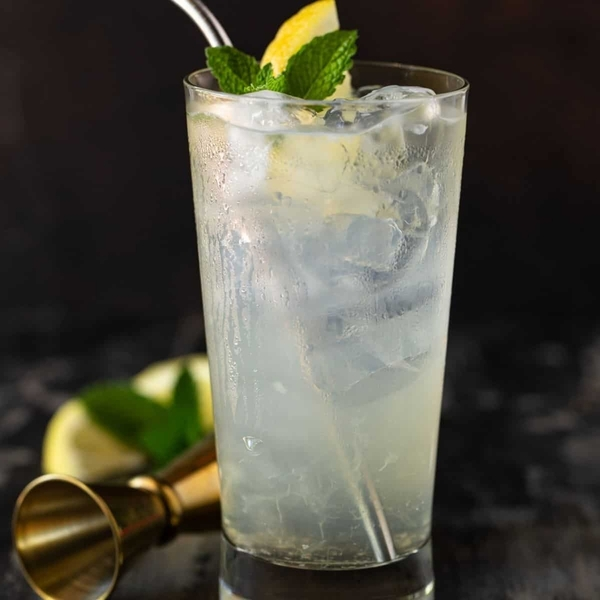 Elderflower-Vodka-Lemonade-Featured-Image